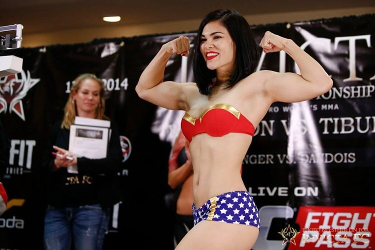 Rachael-Ostovich-ww-weigh-by-Invicta
