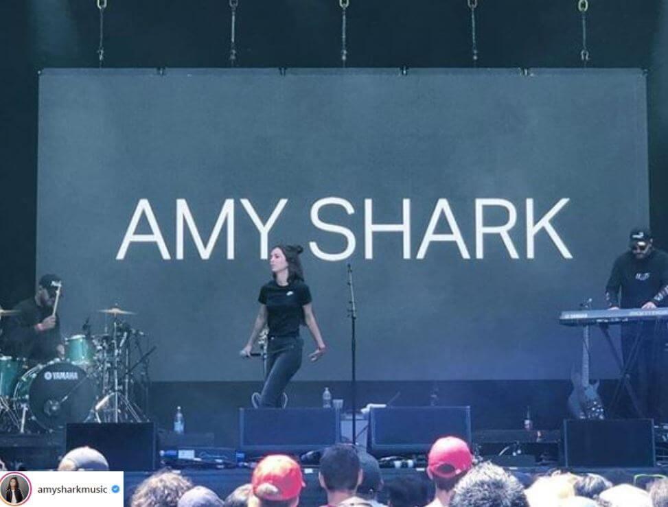 amy shark adore
