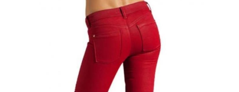red pants woman