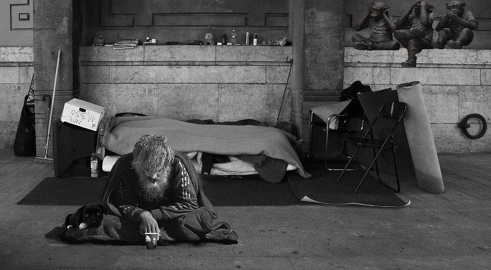 rsz_homeless-man-2653445_960_720